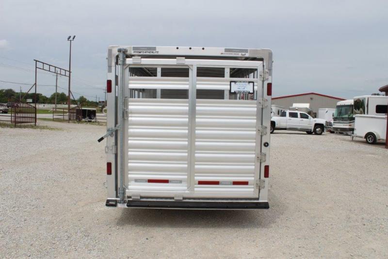 2018 Featherlite 8127 Livestock Trailer