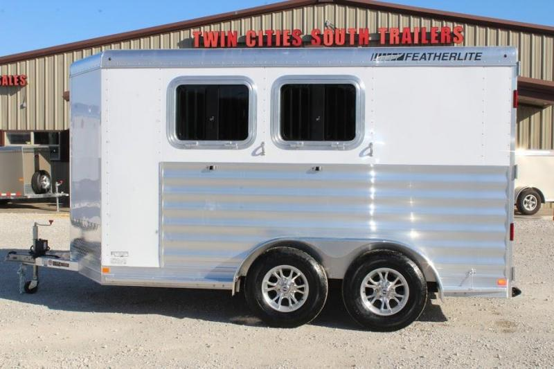 2020 Featherlite 7441 Horse Trailer