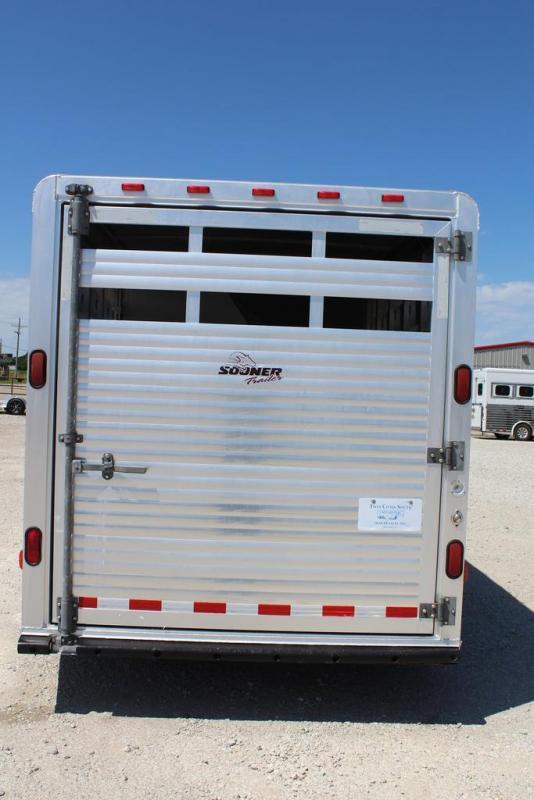 2003 Sooner stock/combo Livestock Trailer