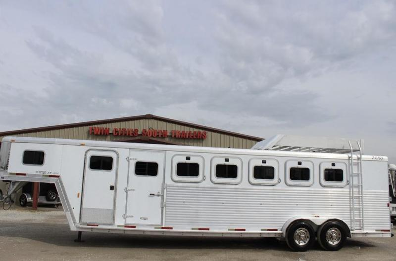 2003 Exiss Trailers XT600 Horse Trailer