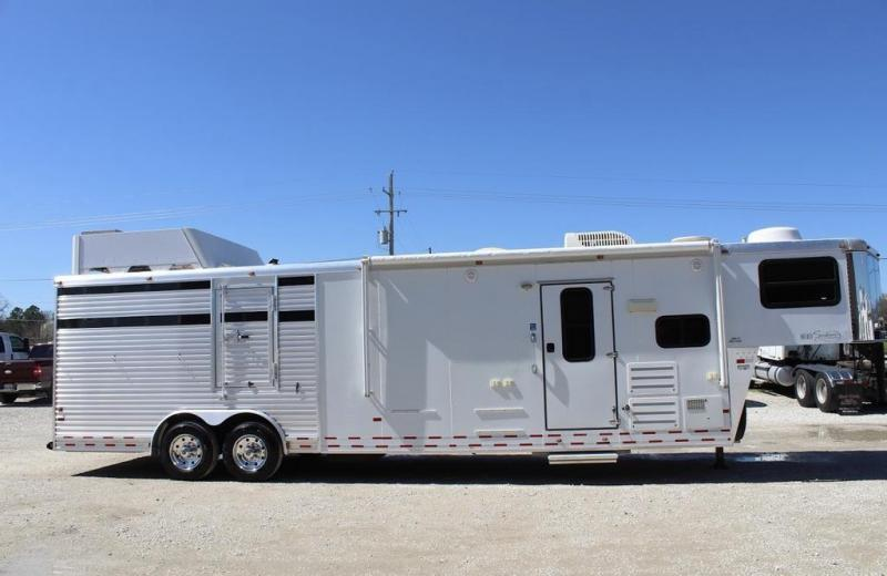 2008 Sundowner Trailers Living Quarter Livestock Trailer