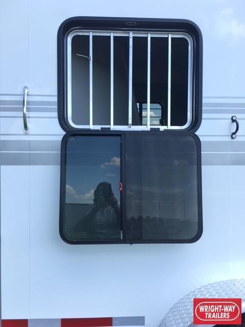Hawk Elite 3 Horse Slant Gooseneck Trailer