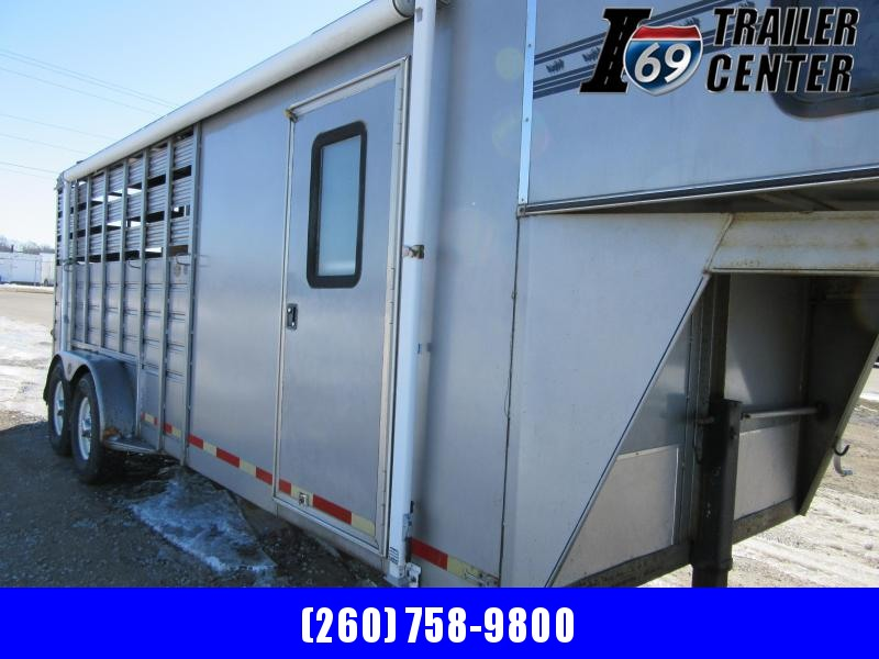 1998 Bison Trailers 4 horse slant steel Other Trailer