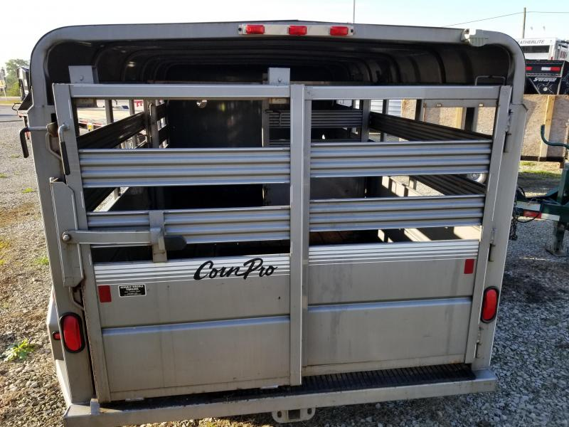 2005 CornPro Trailers SB-14 6S Livestock Trailer
