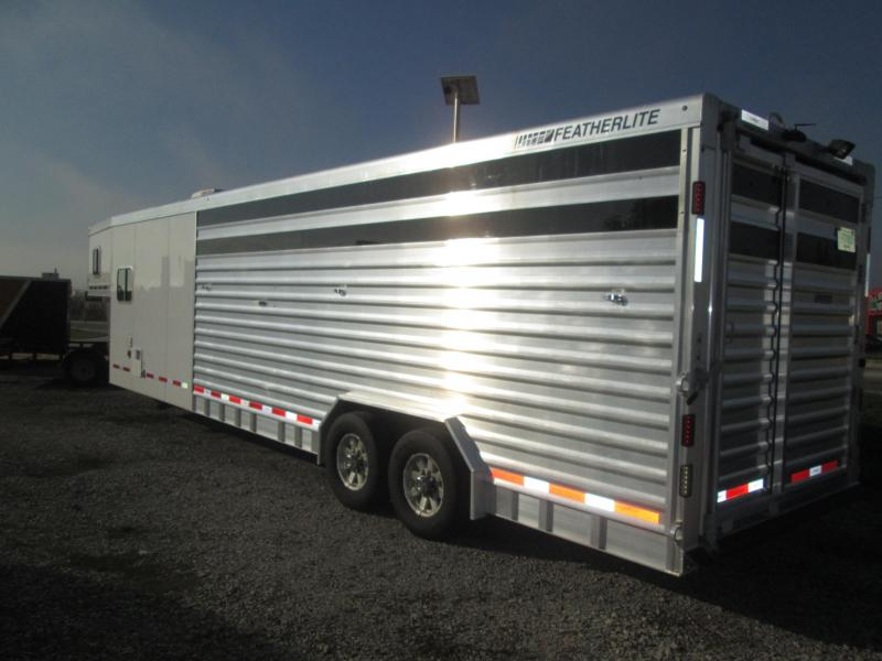 2013 Featherlite 8413-8030 Horse Trailer