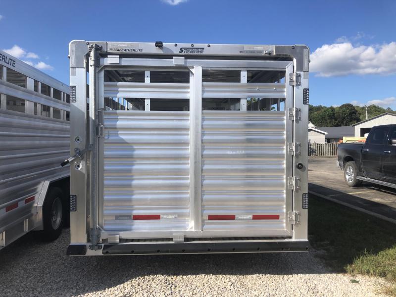 2019 Featherlite 8127-8032 Livestock Trailer. 151987