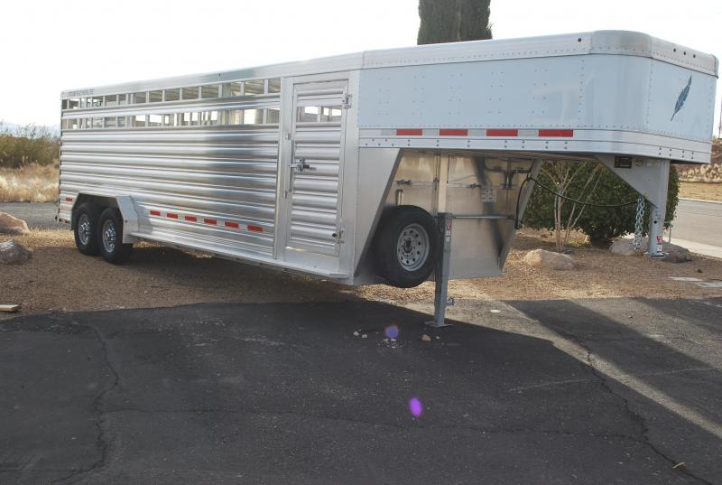 2020 Featherlite 8127 Perfect Fit Livestock Trailer