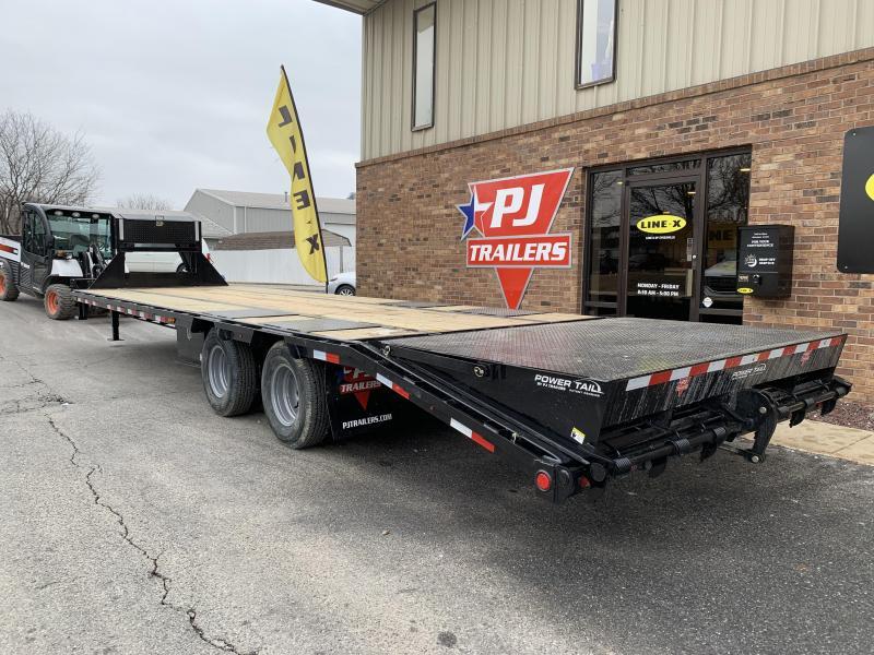2020 PJ Trailers 32' Low-Pro Flatdeck with Duals Trailer