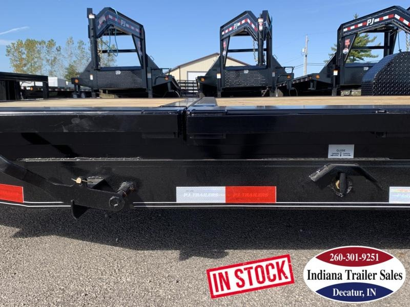 2020 PJ Trailers 82x20 TJ202 Equipment Trailer Tilt