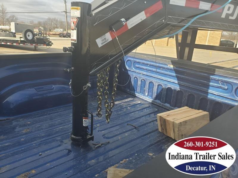 2020 PJ Trailers LD402 102x40 Equipment Trailer
