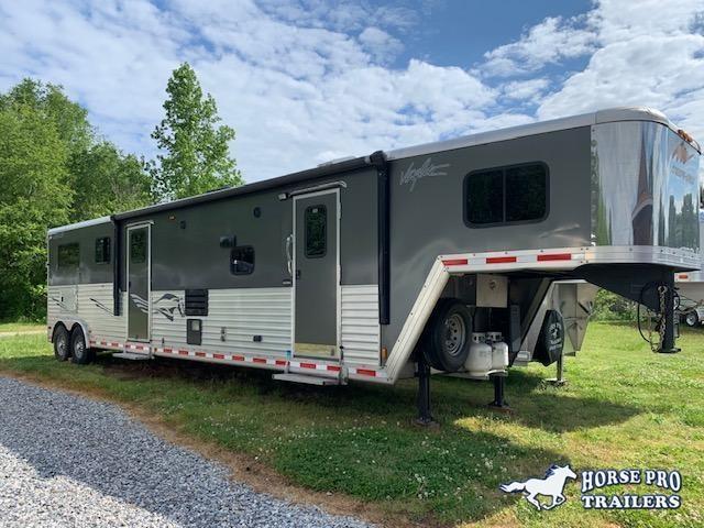 2014 Merhow 2 Horse Straight Load 15' Sierra Living Quarters w/Slide Out & Midtack