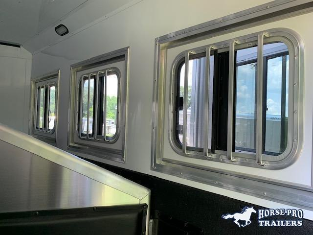 2020 Exiss Endeavor 3 Horse 12'6 Living Quarters w/Slide Out- ROOF INSULATION & POLYLAST FLOORING