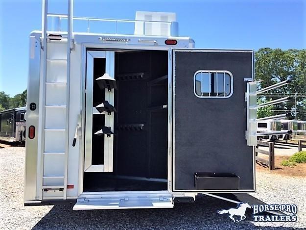 2020 Cimarron 3 Horse 13'6 Outback Living Quarters w/SIDE LOAD FULL REAR TACK & GENERATOR