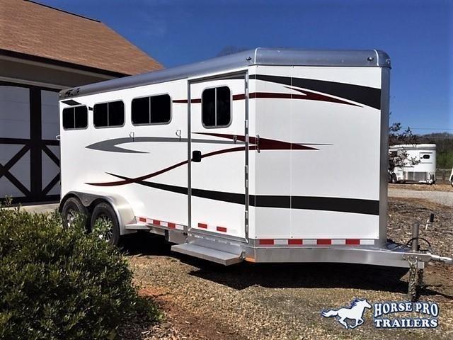 2020 4-Star 3 Horse Slant Load Bumper Pull w/ROOF INSULATION & STUD PANEL