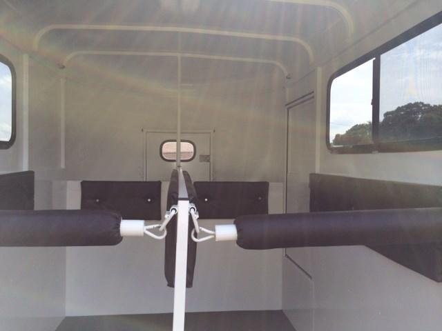 2020 Bee 2 Horse Straight Load Bumper Pull w/Windows