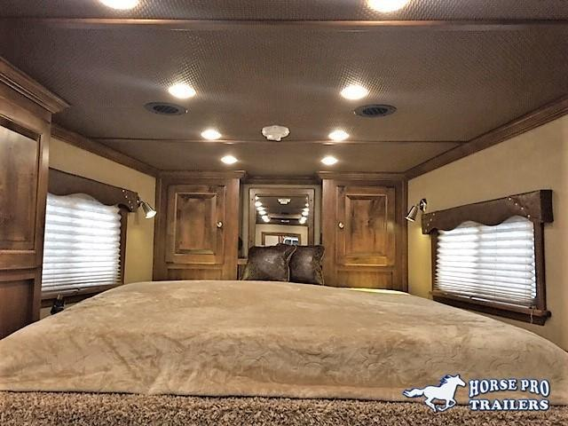 2021 4 Star 3 Horse 10 6 Outback Living Quarters W Ramp