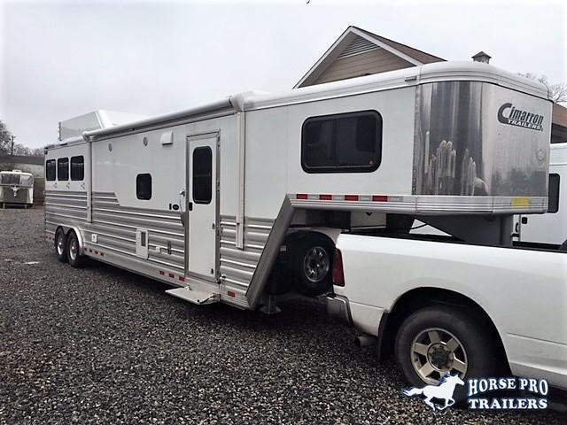 2019 Cimarron 3 Horse 14'6 Living Quarters w/Slide Out