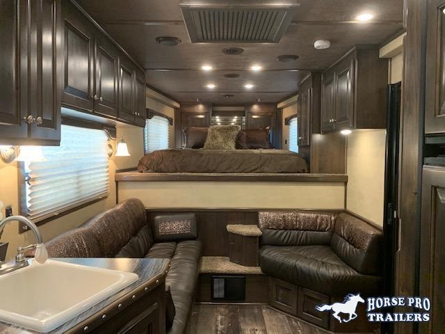 2021 4-Star Trailers Deluxe 3 Horse 13' Trail Boss Living Quarters Horse Trailer