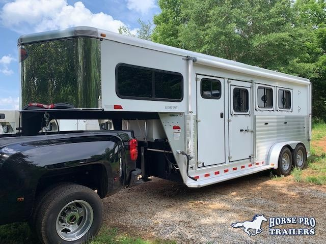 2012 Sundowner 3 Horse Slant Load Gooseneck w/RAMP & (2) AWNINGS!