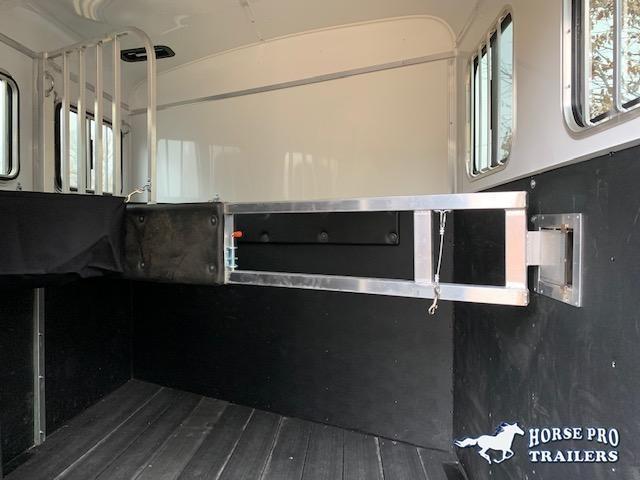 2021 Homesteader 2 Horse Slant Load Bumper Pull w/REAR TACK & ROOF INSULATION