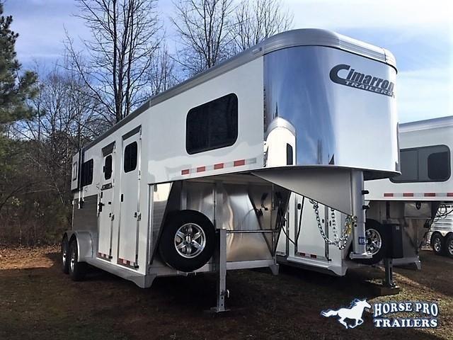 2020 Cimarron 2 Horse Straight Load Gooseneck w/STUD PANEL & HYDRAULIC JACK!