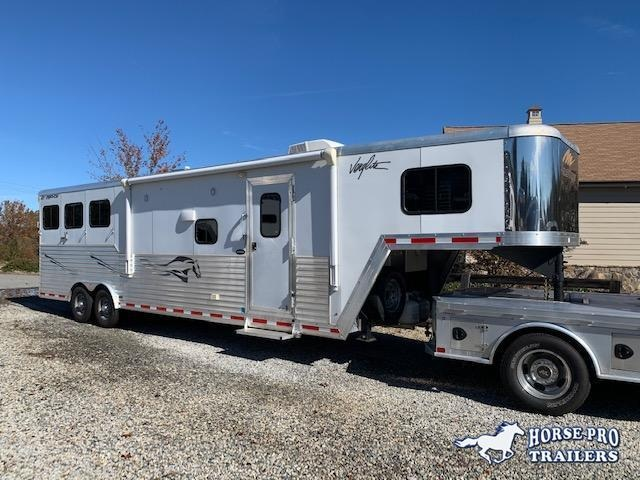 2014 Merhow Verylite 3 Horse 11' Sierra Living Quarters w/Slide Out & REAR RAMP