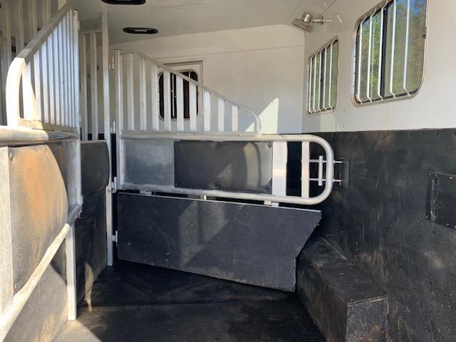 2014 Merhow Verylite 3 Horse 11' Sierra Living Quarters w/Slide Out & REAR RAMP