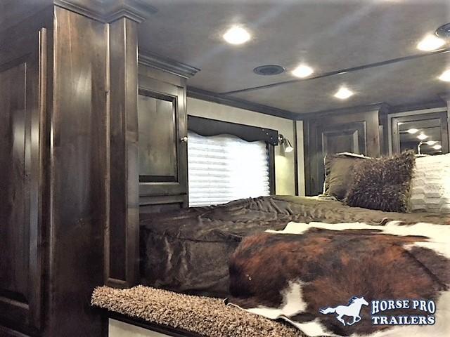 2020 Cimarron 3 Horse 13'6 Outback Living Quarters w/Slide Out- WERM FLOORING & RAMP!