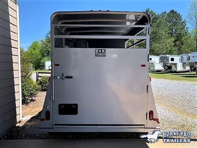 2020 Bee 2 Horse Slant Load Bumper Pull w/DROP WINDOWS