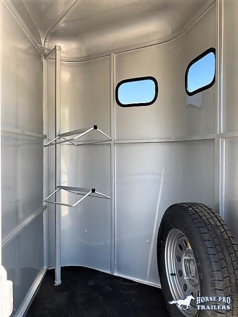 2020 Bee 2 Horse Slant Load Bumper Pull w/DROP WINDOWS