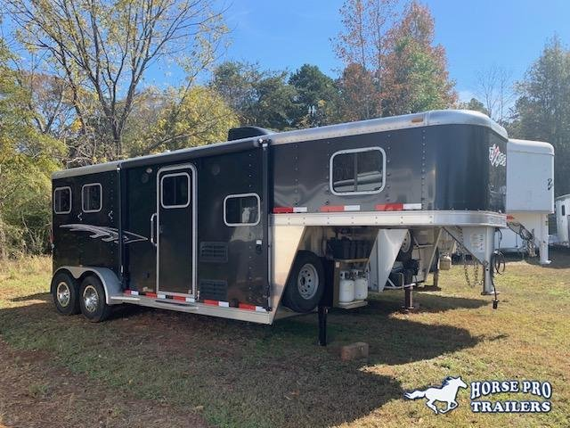 2014 Exiss 2 Horse 6' Harmar Living Quarters