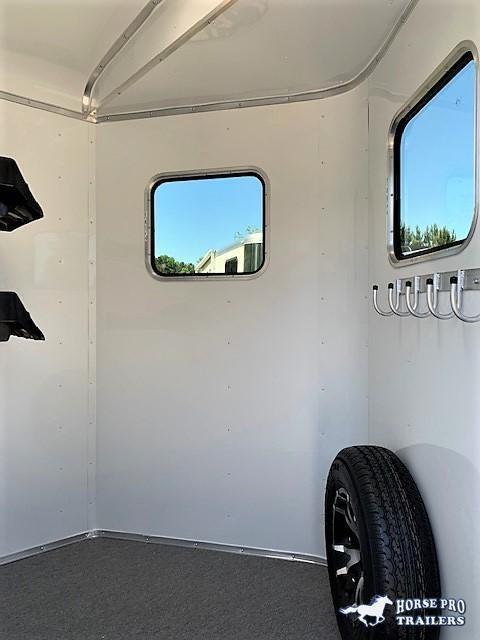 2020 Homesteader 2 Horse Straight Load Bumper Pull w/INSULATION & RUMBER FLOORING!