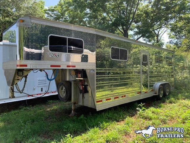 2006 EBY Head to Head Horse Trailer