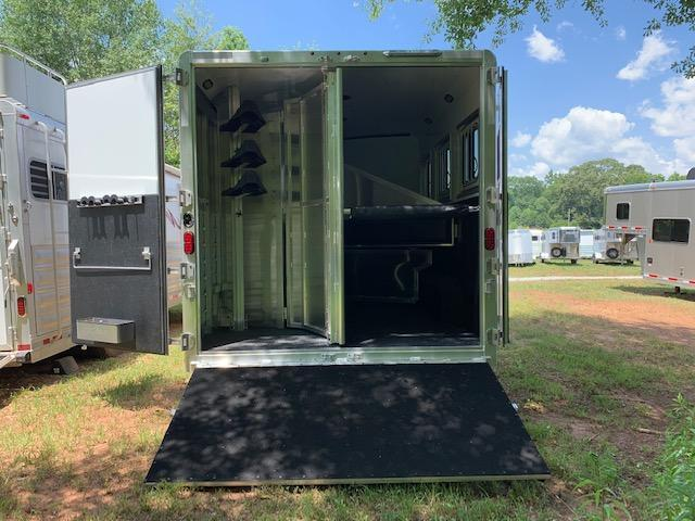 2019 Exiss Endeavor 3 Horse Slant Load 12'6 Living Quarters w/Slide Out- ROOF INSULATION & RAMP!