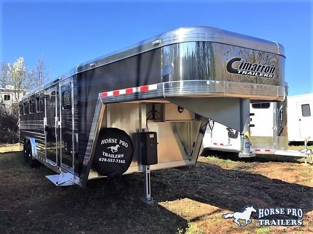 2019 Cimarron Showstar LX 25' Low Pro Enclosed Pig/Stock Gooseneck w/Side Ramp