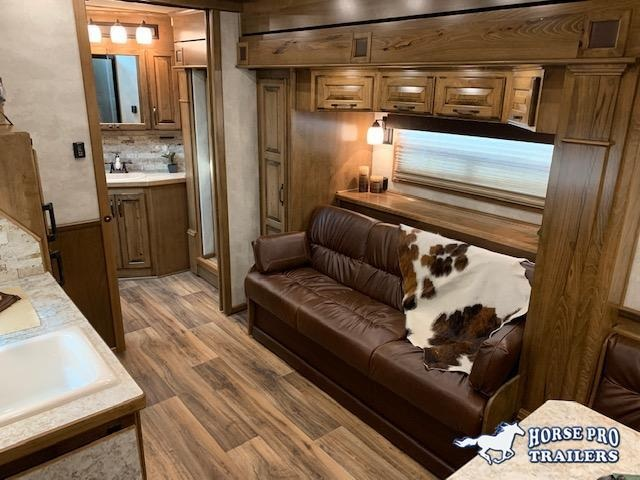 2020 4-Star Deluxe 4 Horse 15'6 Trail Boss Living Quarters w/10' Slide Out SIDE LOAD & FULL REAR TACK!