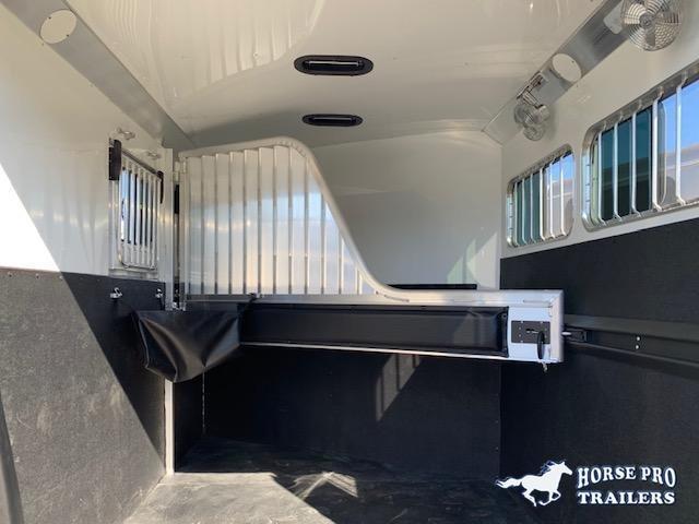 2021 4-Star 2 Horse Slant Load Bumper Pull w/ROOF INSULATION & FANS!