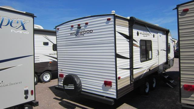 2019 Forest River Wildwood X-lite 241QBXL Travel Trailer RV