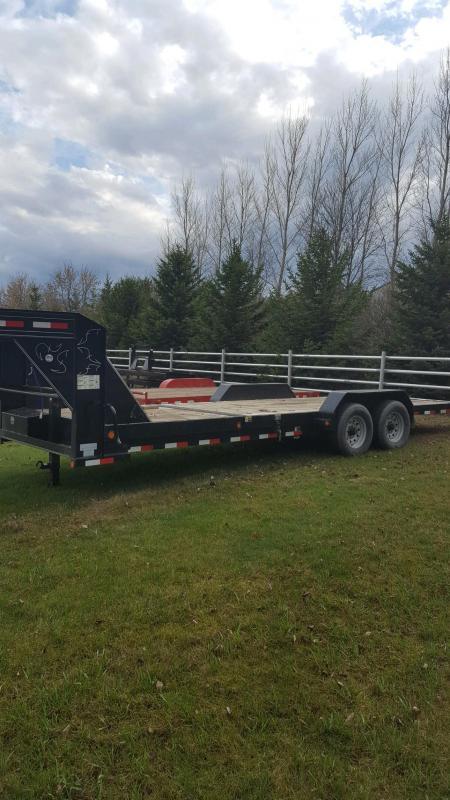 2011 Load Trail Load Trail 83x20 Tilt-n-Go Gooseneck Tandem Axle Flatbed Trailer