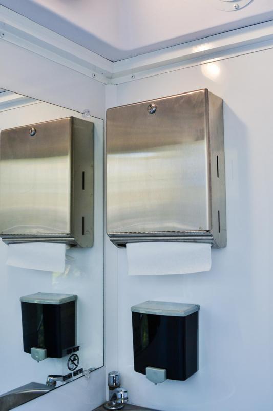 4 Stations I Restroom Trailer
