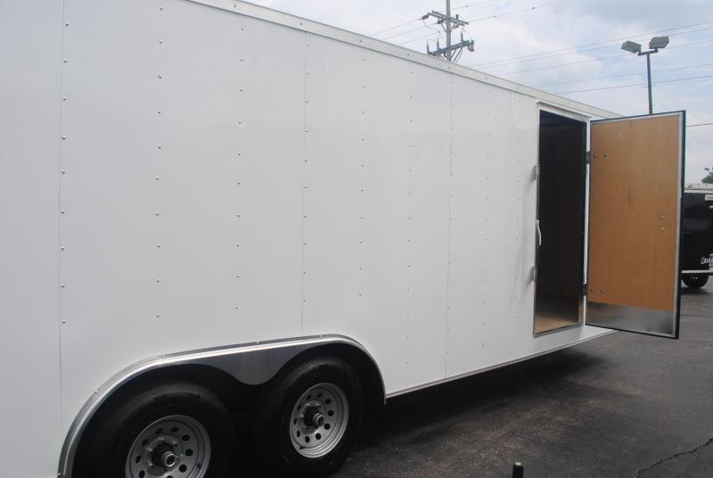 8.5x24 Haulmark | Enclosed Trailer