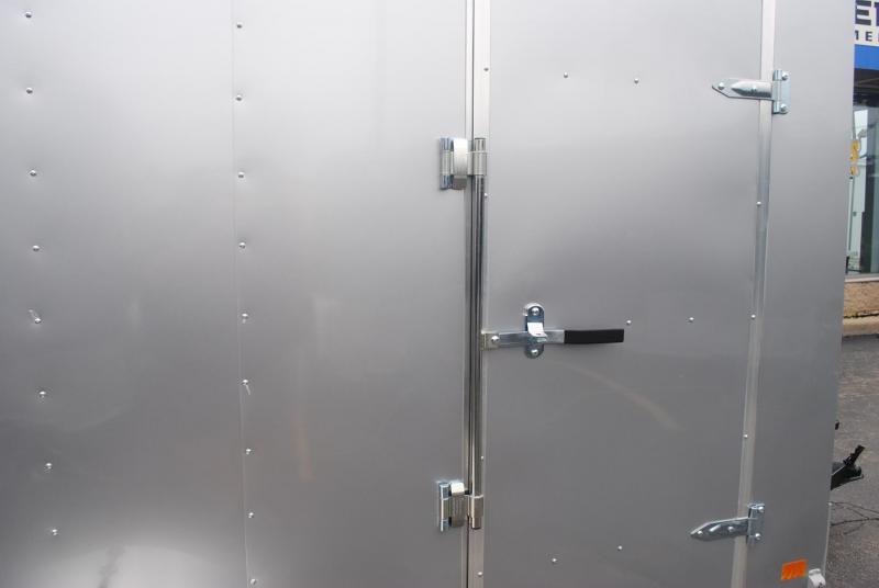 6x10 Haulmark i Enclosed  Trailer