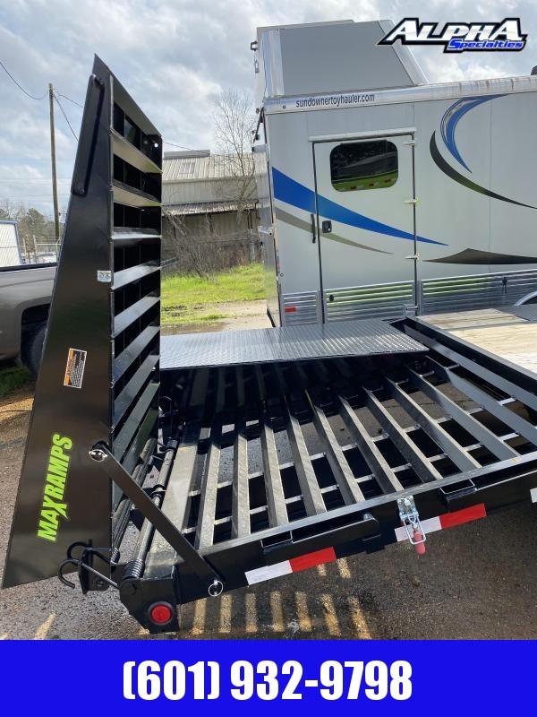 "2019 Load Trail 102"" x 32' Tandem Low-Pro Gooseneck"
