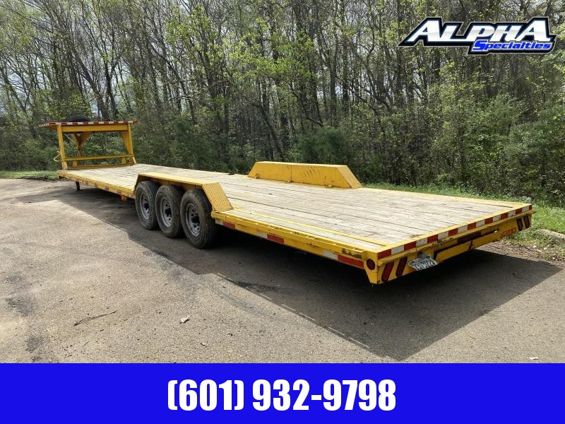 2017 Circle W 83 X 40 CWT83407K Triple Axle Equipment Trailer