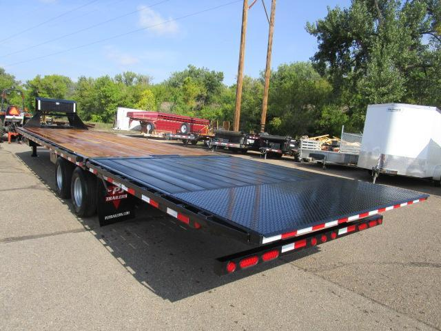 2019 PJ Trailers 36' Flatdeck with Hydraulic Dove Trailer