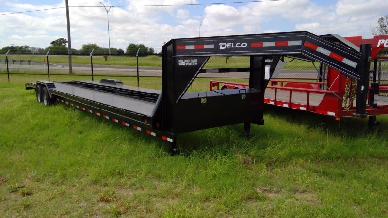 New 36ft Car Hauler with Drive Over Fenders!!