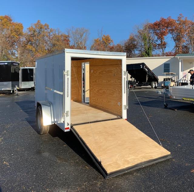 Lark 5' x 10' V-Nose Enclosed Trailer w/ Ramp and Side Door