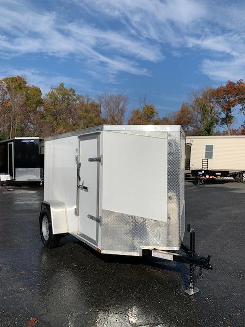 Lark 5' x 8' V-Nose Enclosed Trailer w/Ramp & Side Door