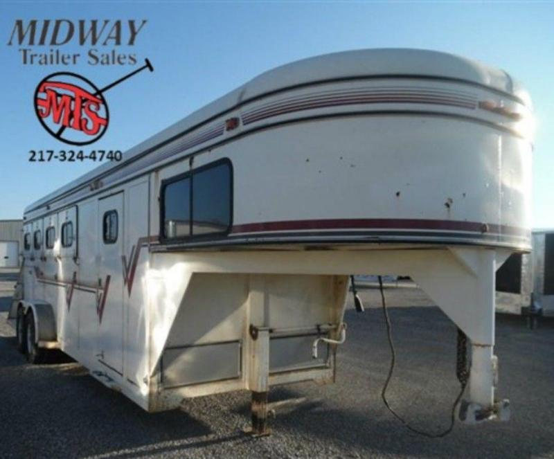 1994 Coose Trailers 4H w/ 3' SW Dress GN