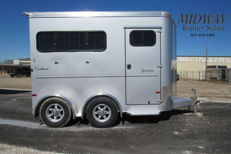 2021 Sundowner Trailers Sportman 2H w/ Dress BP Horse Trailer